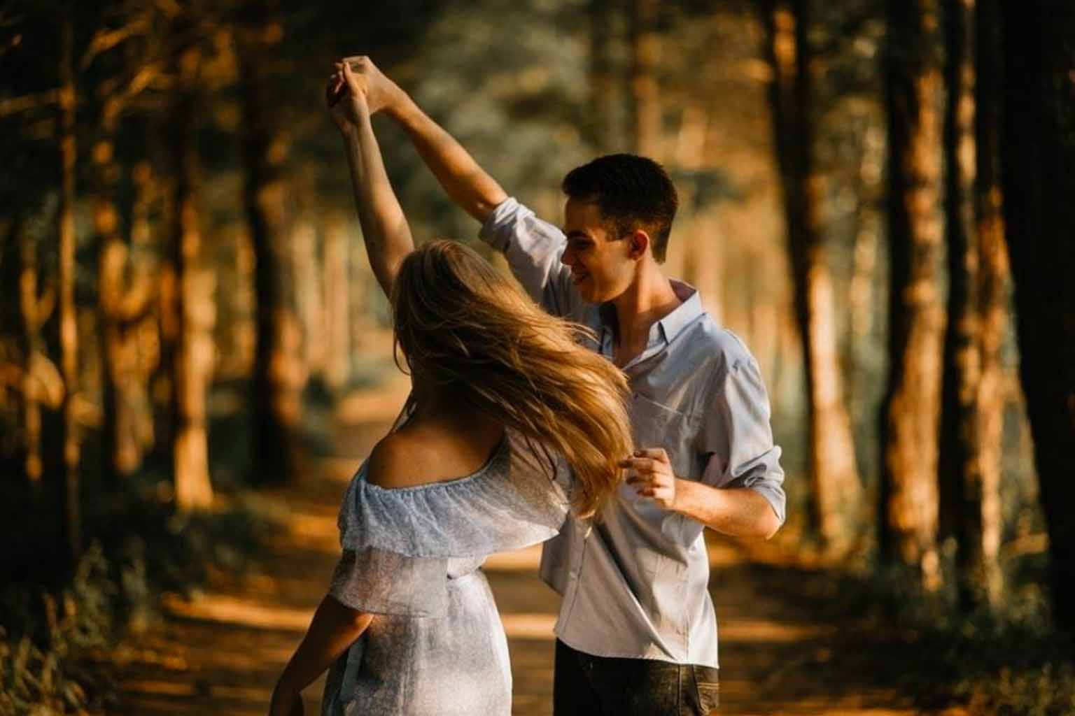 signs you are a hopeless romantic