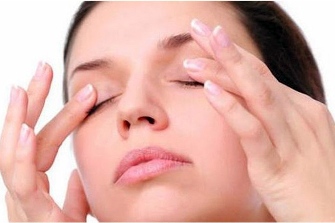 droopy eyelid exercise